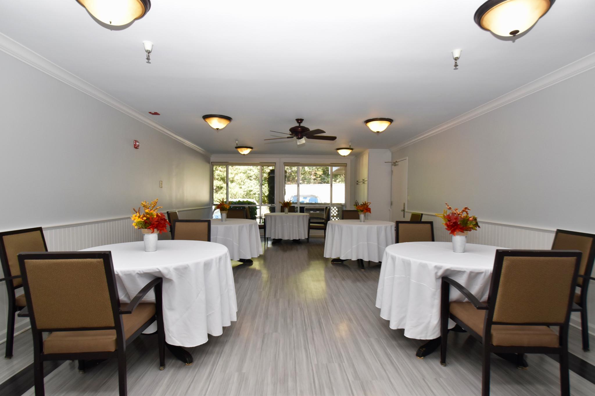 Marin Post Acute- Dining area